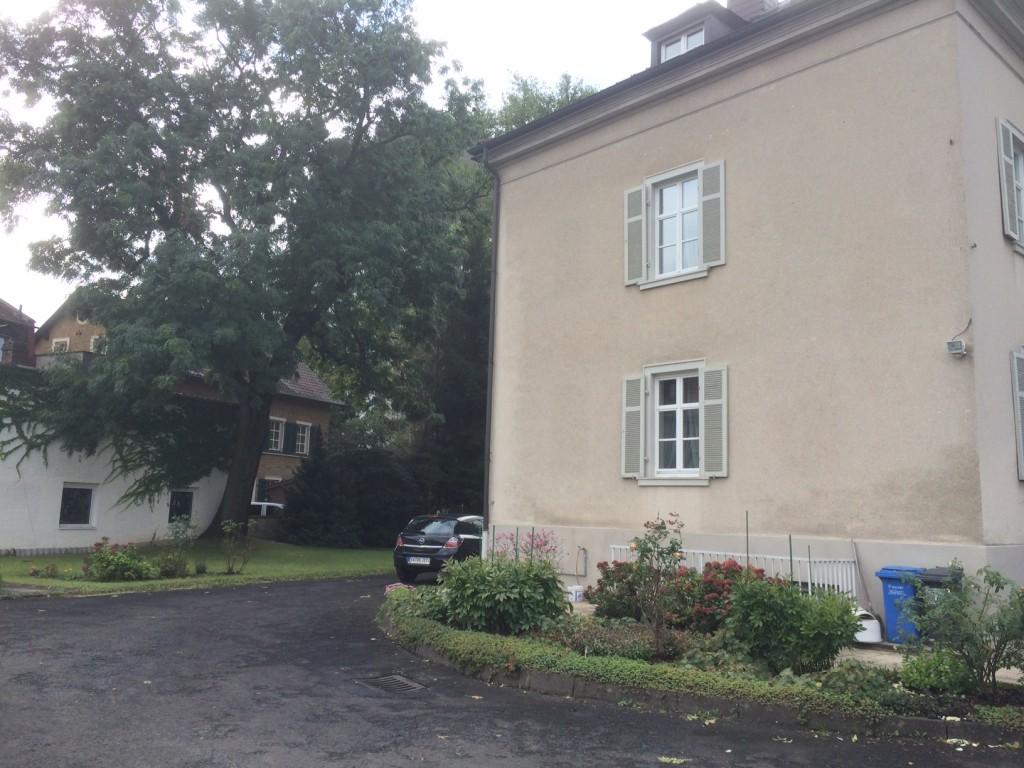 drei familien villa nahe der schweinfurter innenstadt. Black Bedroom Furniture Sets. Home Design Ideas